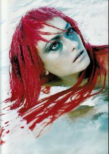 Vogue_Italia_december_1997__14_.jpg