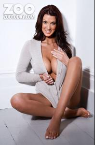 alice_goodwin_topless_9.jpg