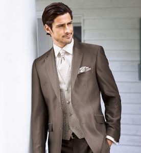 7_bild1_Wedding_Suit_2225_26_SandroLive_Bild1_1380x1500.jpg