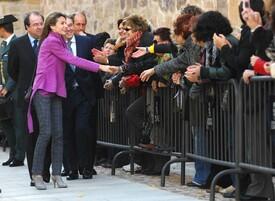 celebrity-paradise.com-The_Elder-Princess_Letizia_2009-11-03_-__Visits_Zamora_in_Spanien_0251.jpg