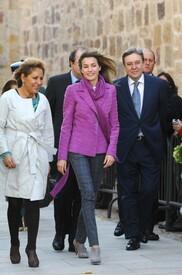 celebrity-paradise.com-The_Elder-Princess_Letizia_2009-11-03_-__Visits_Zamora_in_Spanien_5328.jpg