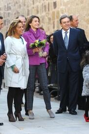 celebrity-paradise.com-The_Elder-Princess_Letizia_2009-11-03_-__Visits_Zamora_in_Spanien_7414.jpg