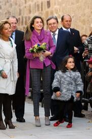 celebrity-paradise.com-The_Elder-Princess_Letizia_2009-11-03_-__Visits_Zamora_in_Spanien_8404.jpg