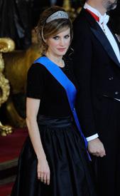 celebrity_paradise.com_TheElder_PrincessLetizia2011_03_07_galadinner7.jpg