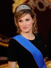 celebrity_paradise.com_TheElder_PrincessLetizia2011_03_07_galadinner8.jpg