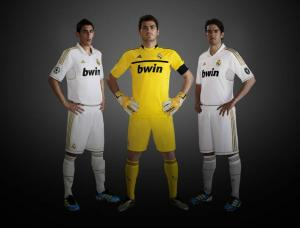 adidas_real_madrid_kit_2011_2012_01.jpg