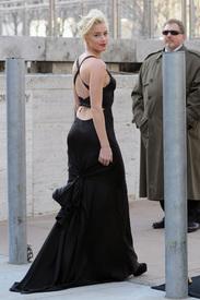 1Amber_Heard_Black_Dress_Metropolitan_Opera_New_York_City_03262012_4.jpg