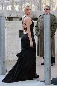 3Amber_Heard_Black_Dress_Metropolitan_Opera_New_York_City_03262012_4.jpg