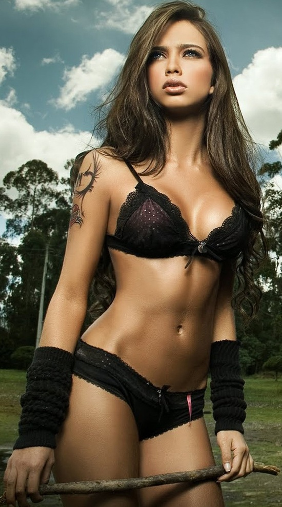 Hottest brunette in the world