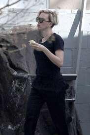 Scarlett-Johansson-out-in-LA--02.jpg