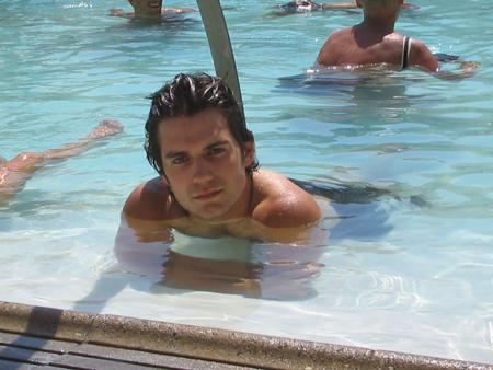 Henry cavill male actors bellazon for Gay in singapore swimming pools