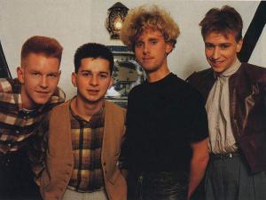 wall_depeche4.jpg