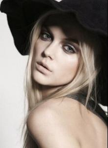 _Viktoriya_Sasonkina_tests_shot_for_Women_NY_mariemaud.jpg