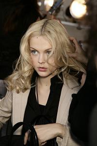 _Viktoriya_at_DKNY_fw_08_tfs5.jpg