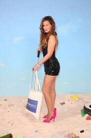 jade_jagger_save_the_beach_photocall_tikipeter_celebritycity_021.jpg