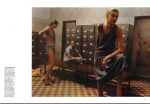 Harper_s_Bazaar_USA_April_2001_ph_Mikael_Jansson__5_.jpg