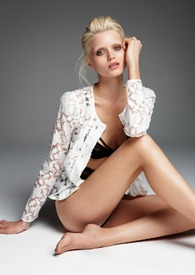 Abbey Lee Kershaw (Sunday Telegraph UK, March 2011) (2).jpg