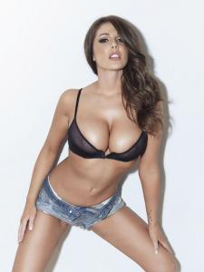 1412_lucy_pinder_nuts.co_.uk_11_copy.jpg