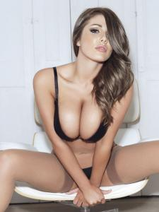 1412_lucy_pinder_nuts.co_.uk_14_copy.jpg
