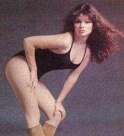 Valerie-Bertinelli-fabulous-female-celebs-of-the-past-10738059-450-490.jpg