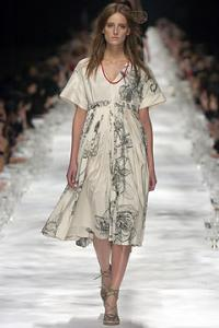 ann_Dries_Van_Noten_Spring_2005_Ready_to_Wear2.jpg
