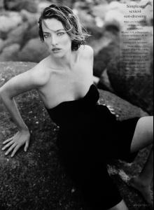 Patitz_VOGUE_UK_Jul89_black_bare_beautiful_bySanteD__orazio_tfs__scan_mojopin5.jpg