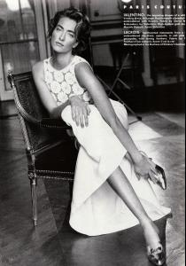 patitz_VOGUE_UK_APR_90_exalted_states_byPatrickDemarchelier_tfs__scan_mojopin7.jpg