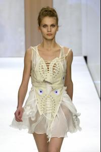51922_celebrity_city_Bora_Aksu_London_Fashion_Show_18_123_425lo.jpg