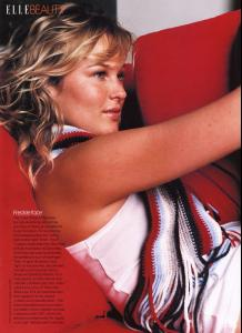 miss_american_pie_Uk_elle_sept_2002_amy_lemons__2_.jpg