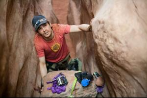 127hours_trapped_1024x682.jpg