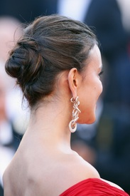 03 IrinaShayk premiere CannesFF 22052012.jpg