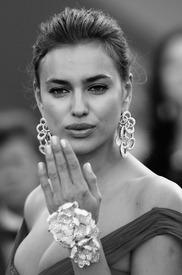 07 IrinaShayk premiere CannesFF 22052012.jpg