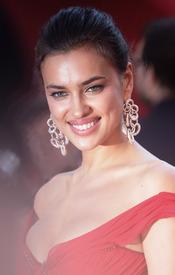 20 IrinaShayk premiere CannesFF 22052012.jpg