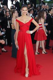 29 IrinaShayk premiere CannesFF 22052012.jpg