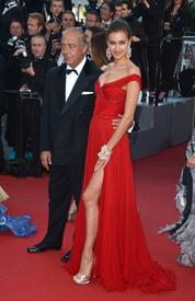 33 IrinaShayk premiere CannesFF 22052012.jpg