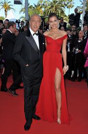 34 IrinaShayk premiere CannesFF 22052012.jpg