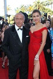 37 IrinaShayk premiere CannesFF 22052012.jpg