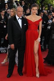 38 IrinaShayk premiere CannesFF 22052012.jpg