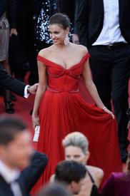 39 IrinaShayk premiere CannesFF 22052012.jpg