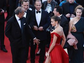 43 IrinaShayk premiere CannesFF 22052012.jpg