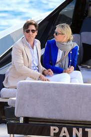 Karolina-Kurkova-out-in-Cannes--04.jpg