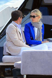 Karolina-Kurkova-out-in-Cannes--08.jpg