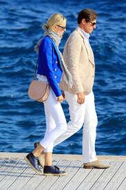 Karolina-Kurkova-out-in-Cannes--11.jpg