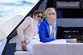 Karolina-Kurkova-out-in-Cannes--14.jpg