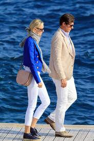 Karolina-Kurkova-out-in-Cannes--15.jpg