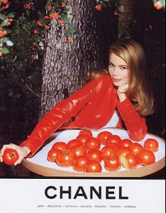 claudia_chanel_1994.JPG