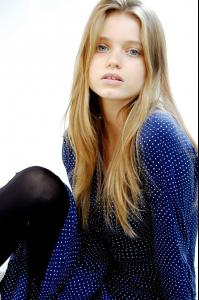 abbey_lee_16.jpg