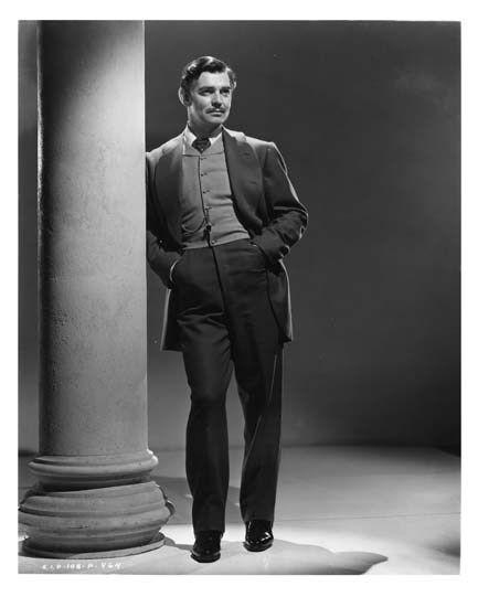 Мужская мода, того времени, стала более консервативной. . По-прежнему ее законодателем оставался