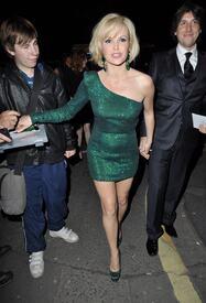 celebrity_paradise.com_TheElder_AmandaHolden2011_06_14_ShrekTheMusicalPressNightAfterParty18.jpg