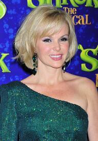 celebrity_paradise.com_TheElder_AmandaHolden2011_06_14_ShrekTheMusicalPressNightAfterParty33.jpg